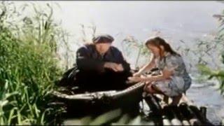 Эпизод из фильма Приезжая