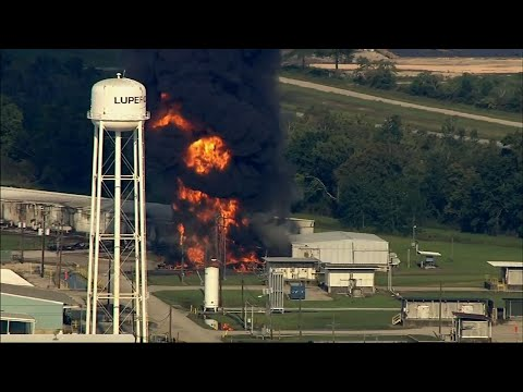 Fire Burns at Crosby, Texas Chemical Plant