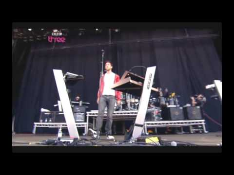 Calvin Harris - I'm Not Alone | Live @ T In The Park 2009  (HQ)