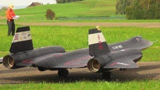 GIANT SR-71 BLACKBIRD RC TURBINE MODEL JET WITH AFTERBURN