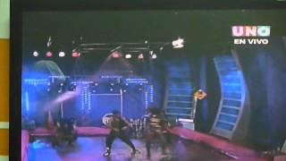 evelin naula en bailalo 5 baila reggaeton bajo la lluvia
