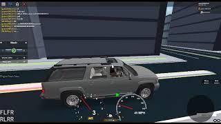 Roblox Car Review/Off Roading! In The 2003 Chevrolet Suburban