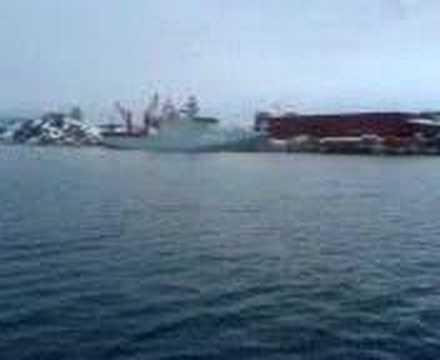 Inspektionsfartøjet_KNUD_RASMUSSEN_ankommer,_Nuuk_04-04-2008
