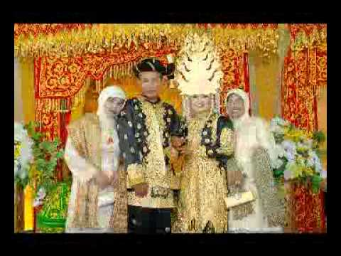 Spectacular Wedding Event in Acehnese Culture - Fantastic
