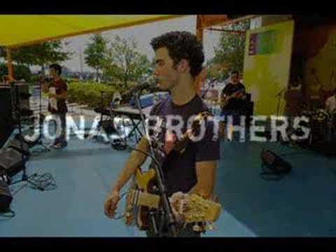 Jonas Brothers- 7:05