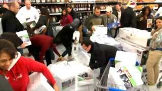 Black Friday Walmart XBox 360 Sale - Doorbusters - One Pallet Under 60 Seconds