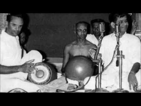 Dr. M Balamuralikrishna-Umayalpuram K Sivaraman (short AIR recital)