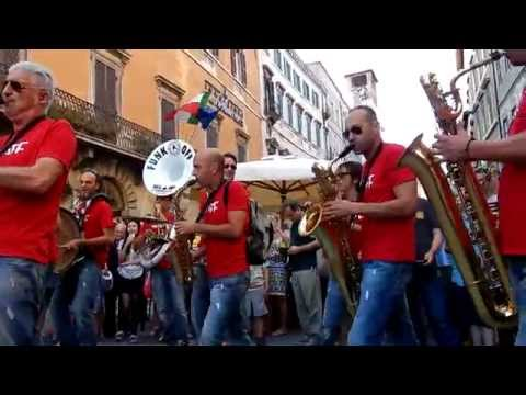FUNK OFF - Marching Band - UMBRIA JAZZ ® 2015 - HD