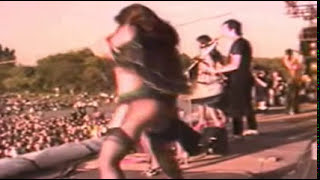 The Stranglers -  Nice n Sleazy (Live) 18+