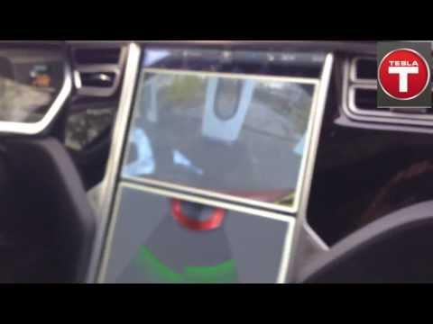 8x Opladen met 600km/uur Tesla supercharger at work in oosterhout!