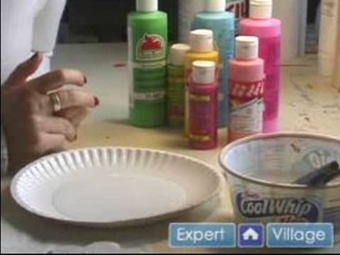 Easy Arts and Crafts Painting Projects : Painting Wood: Choosing Wood Paint