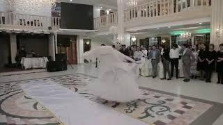Нежный выход Жениха и Невесты в Астане!!!