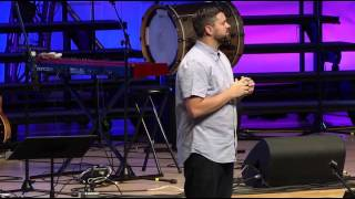Keith Minier speaking at Momentum Youth Conference