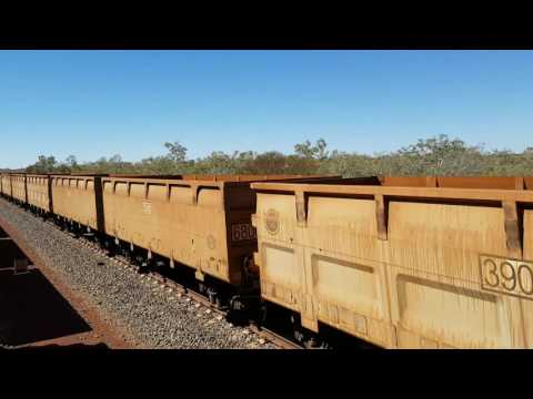 FMG empty ore train