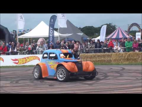 CARFEST NORTH 2017 ON TRACK ACTION