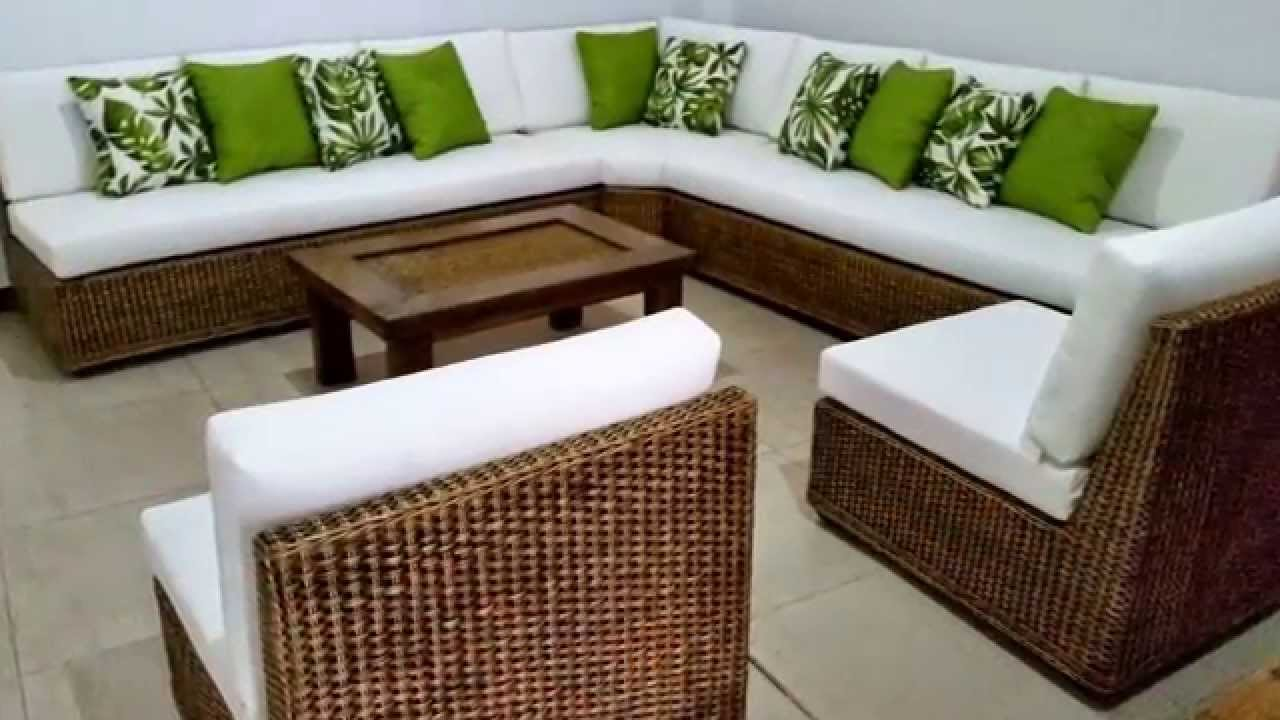 Muebles campestres en mimbre youtube for Casa muebles de exterior