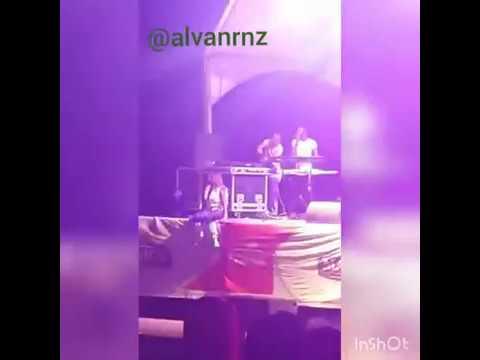 Liloca salta do palco e cai de cara no chão em pleno show de final do ano