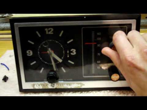 1970s General Electric AM clock radio