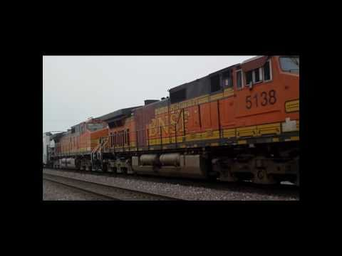 Amtrak San Joaquins and High-Speed BNSF Freights in Merced, CA (1/29/11)