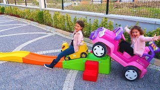 Öykü Ve Masal'ın Sürpriz Renkli Hediyesi - Pretend Play Colors Roller Coaster Ride for Kids
