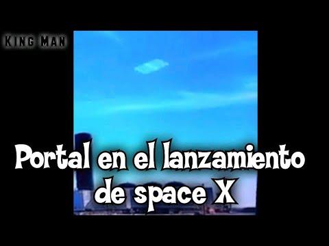 Portal dimensional sobre el lanzamiento espacial Space X en boca chica Texas