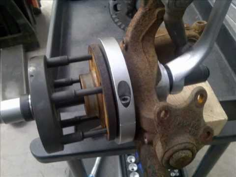 how to use wheel hub puller