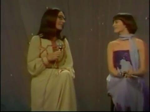 Mireille Mathieu 🌻 and Nana Mouskouri 🌻