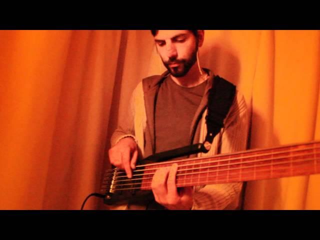 Armin Metz on bass Sympla (real-time trigger skills #1)