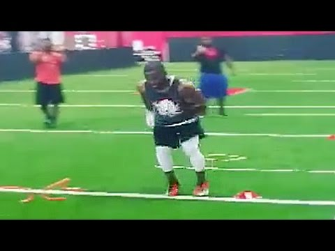 Andrew Hawkins Shows off CRAZY Foot Speed