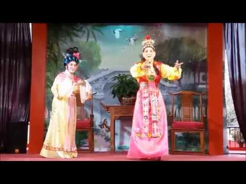 Traditional Chinese Opera | drama and musical theatre in China (Chinese street performance)