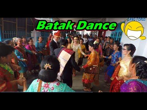 Aseeek! 😁 Maumere Dance | Joget Batak Bersama Pengantin