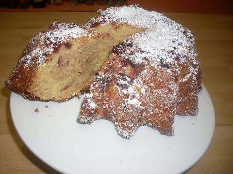 gâteau-moelleux-à-la-confiture-de-cerises-noires