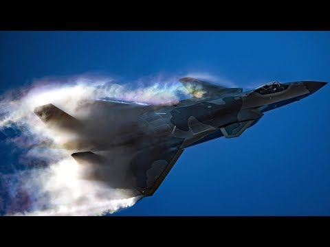 J20 stealth fighter performs stunning formations at China int'l Air Show