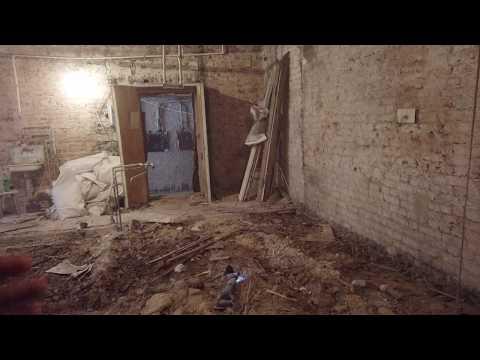 Санкт-Петербург. 55 м2  Демонтаж в старом фонде первый этаж.