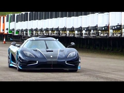 Koenigsegg One1 VS Lamborghini Huracan VS Porsche 997 Turbo VS ...