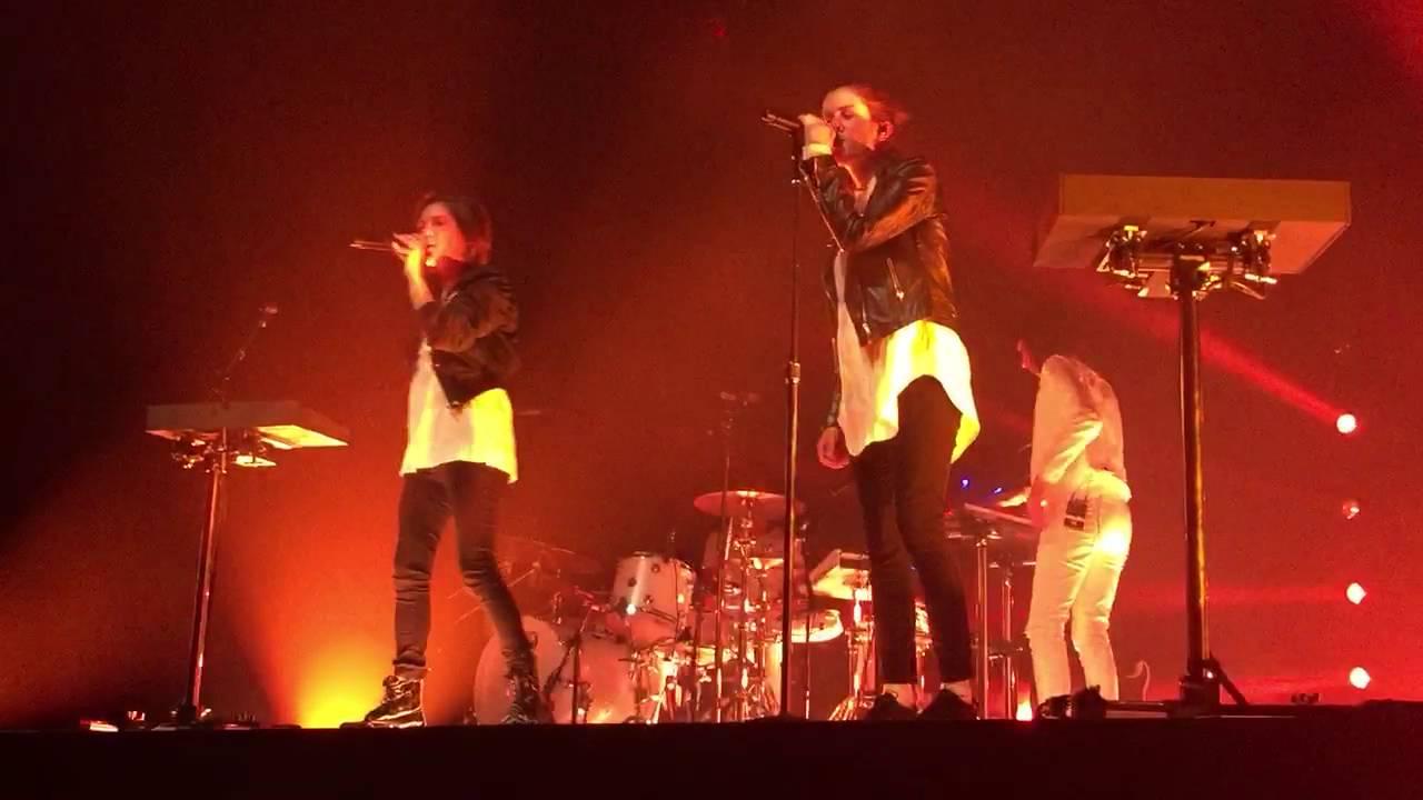 Tegan And Sara  Living Room (Live) State Theater, Minneapolis, Minnesota.  LY2D Tour Part 48