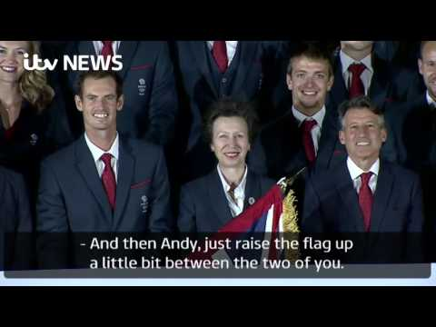Andy Murray makes flag-bearer debut ... fails