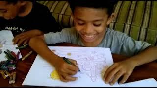 Download Anak-Anak Menggambar dengan ekspresi lucu/Children draw with funny facial expressions