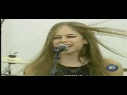 avril lavigne first time in tv complicated