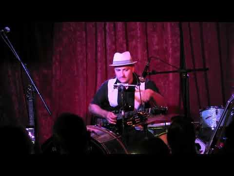 Hipbone Slim One Man Band@Dirty Water Club