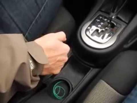 Сгорела лампочка или плохой контакт, если часто мигает сигнал поворотника?