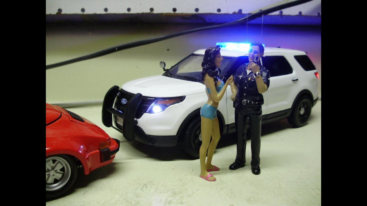 Custom 124 Ford Interceptor Utility police diecast model w/ working lights & Custom 1:24 Ford Interceptor Utility police diecast model w ... markmcfarlin.com