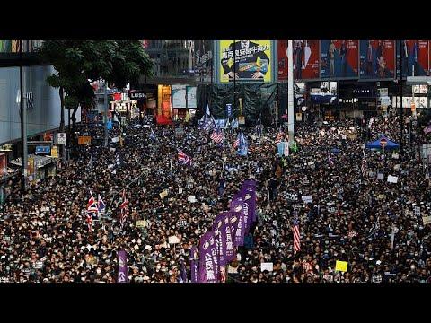 شاهد: مسيرات أسطورية وبحر من المتظاهرين في مرور ستة أشهر على احتجاجات هونغ كونغ…  - 16:59-2019 / 12 / 8
