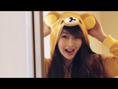 Alodia in Japan BTS with Seven Bank