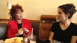 Ruby Wax talks to Sandra Bullock about trailers and waitressing