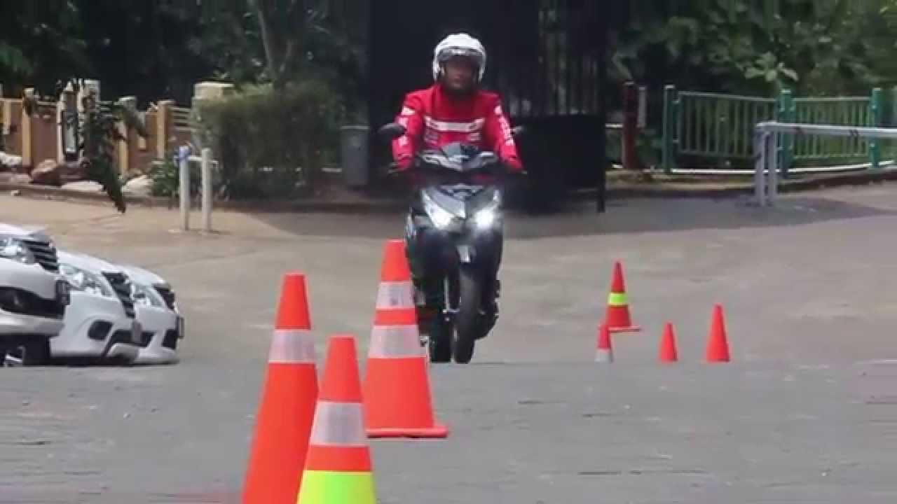 VIDEO Wanita Cantik Acara Launching Honda Vario 150cc Semarang YouTube