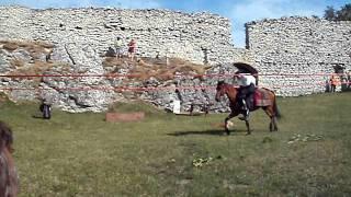 Bitwa o zamek Ogrodzieniec pokaz jezdziectwa 10-07-2011