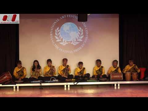 2. «Indonesian folk dance» Folk Group «Danadyaksa Budaya». Bekasi. Indonesia. Vienna Stars