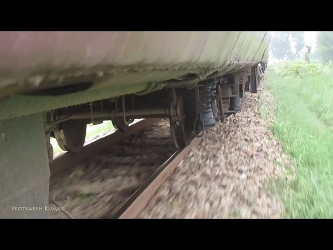Metre Gauge Track and Wheels Interaction with cracking track sound - Indian Railways