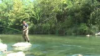 Рыбалка  на реке в Италии(В прекрасном и живописном городке на севере Италии - Риве, который находится на самом берегу озера Гарда,..., 2013-08-26T03:17:58.000Z)